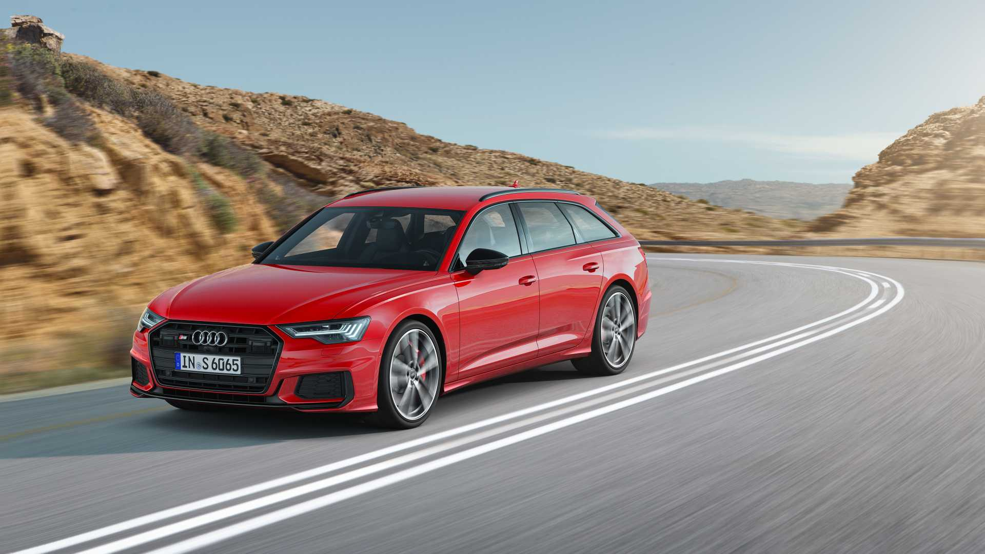 2019 Audi S6 Avant TDI (Color: Tango Red) Front Three-Quarter Wallpapers (2)