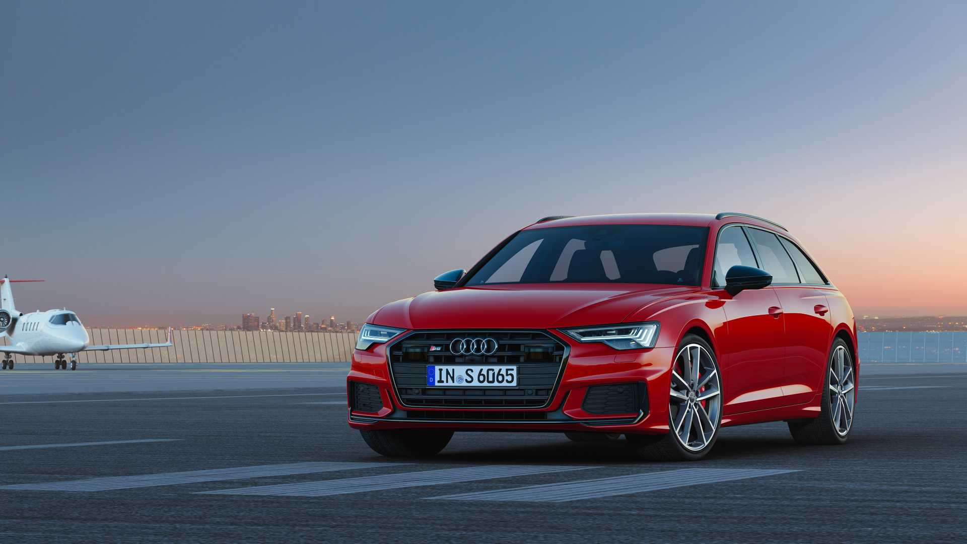 2019 Audi S6 Avant TDI (Color: Tango Red) Front Three-Quarter Wallpapers (10)
