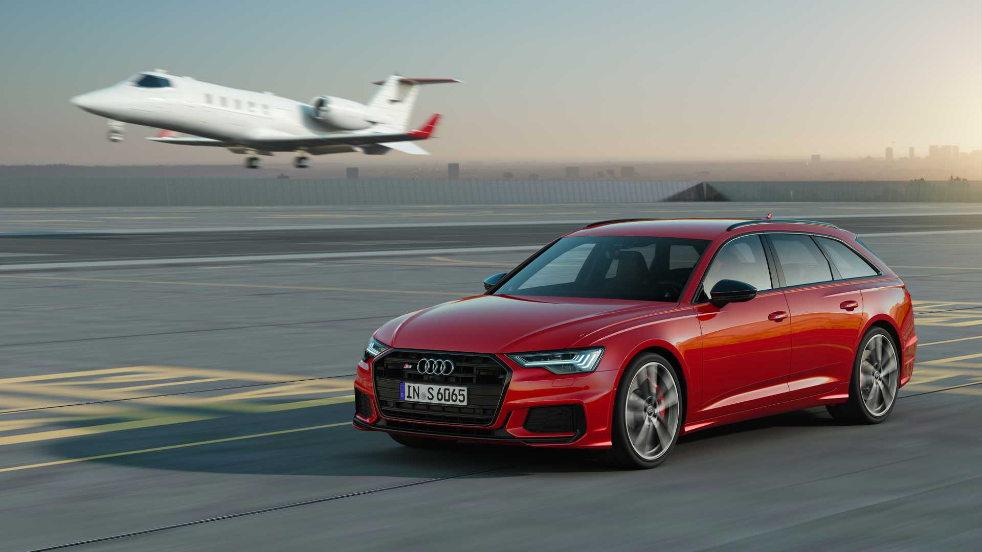 2019 Audi S6 Avant TDI (Color: Tango Red) Front Three-Quarter Wallpapers (1)