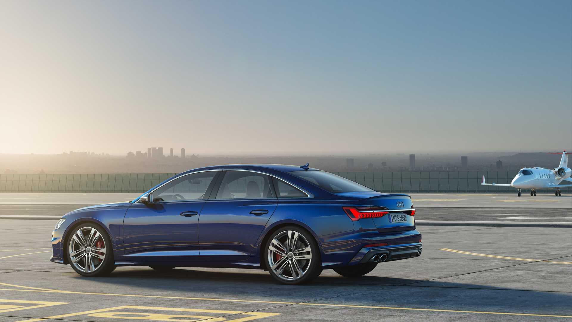 2019 Audi S6 Sedan TDI (Color: Navarra Blue) Side Wallpaper (15)
