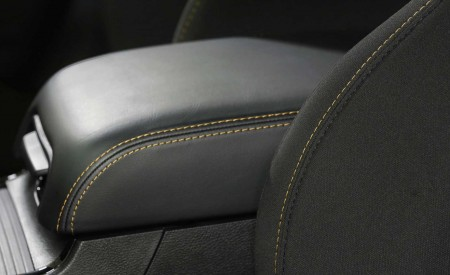 2019 Dodge Challenger RT Stars & Stripes Edition Interior Detail Wallpapers 450x275 (10)