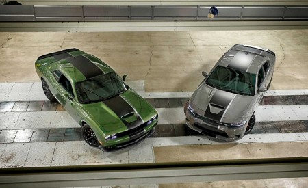 2019 Dodge Challenger RT and 2019 Dodge Charger Stars & Stripes Edition Front Three-Quarter Wallpapers 450x275 (2)