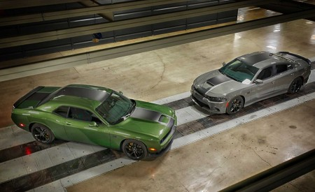 2019 Dodge Challenger RT and 2019 Dodge Charger Stars & Stripes Edition Front Three-Quarter Wallpapers 450x275 (3)