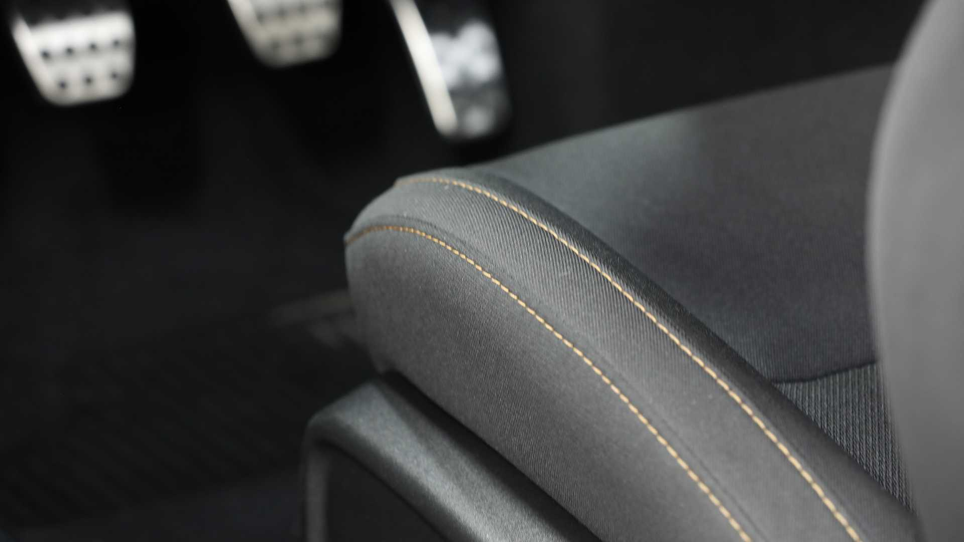 2019 Dodge Charger Stars & Stripes Edition Interior Front Seats Wallpapers (7)