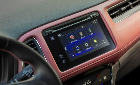 2019 Honda HR-V Central Console Wallpaper 450x275 (45)