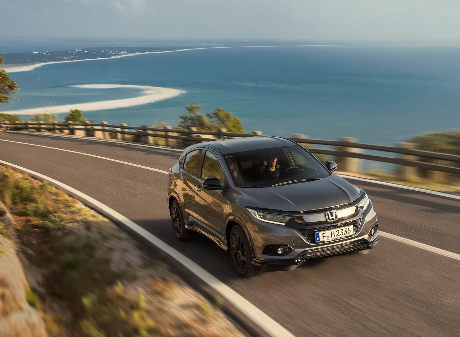2019 Honda HR-V Front Three-Quarter Wallpapers (12)
