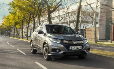2019 Honda HR-V Front Three-Quarter Wallpaper 450x275 (4)