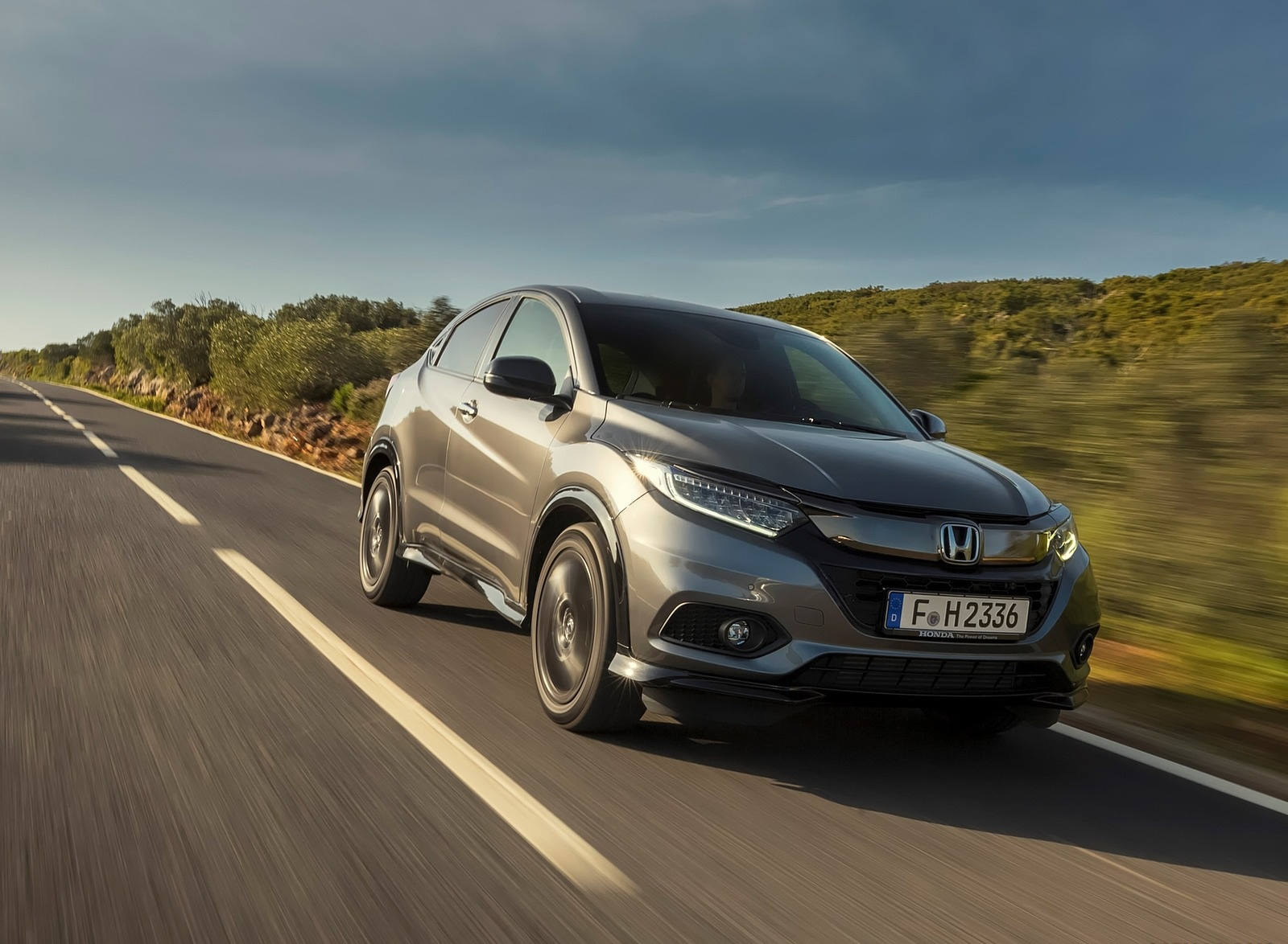 2019 Honda HR-V Front Three-Quarter Wallpapers (6)