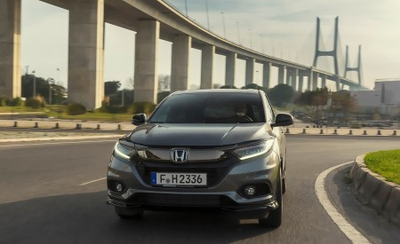 2019 Honda HR-V Front Wallpaper 450x275 (1)