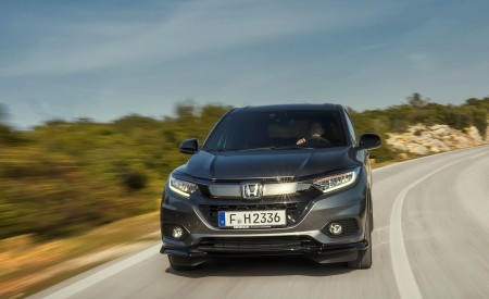 2019 Honda HR-V Front Wallpaper 450x275 (10)