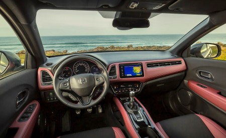 2019 Honda HR-V Interior Cockpit Wallpaper 450x275 (43)