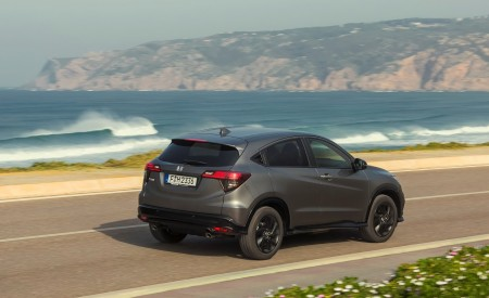 2019 Honda HR-V Rear Three-Quarter Wallpaper 450x275 (17)
