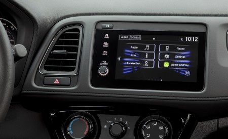 2019 Honda HR-V Sport Central Console Wallpaper 450x275 (131)