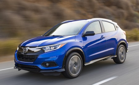 2019 Honda HR-V Sport Front Three-Quarter Wallpaper 450x275 (92)