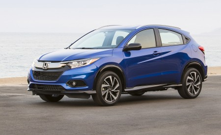 2019 Honda HR-V Sport Front Three-Quarter Wallpaper 450x275 (107)
