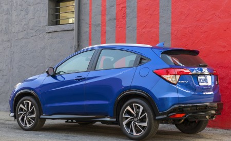 2019 Honda HR-V Sport Rear Three-Quarter Wallpaper 450x275 (111)