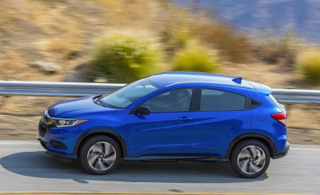 2019 Honda HR-V Sport Side Wallpaper 450x275 (96)