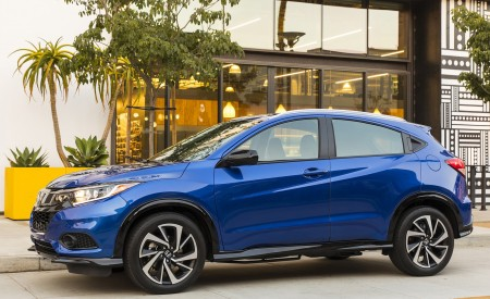 2019 Honda HR-V Sport Side Wallpaper 450x275 (113)