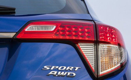 2019 Honda HR-V Sport Tail Light Wallpaper 450x275 (115)
