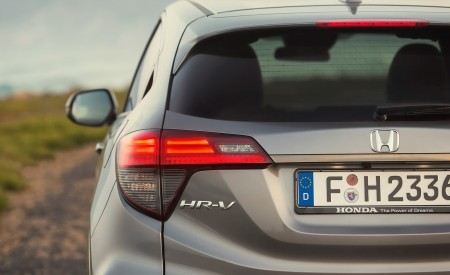 2019 Honda HR-V Tail Light Wallpaper 450x275 (32)
