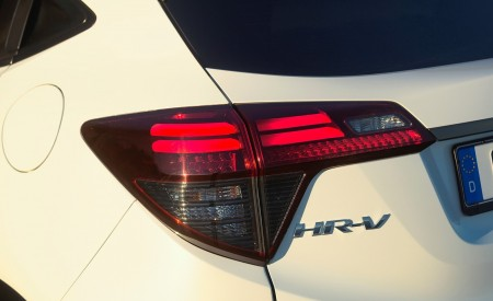 2019 Honda HR-V Tail Light Wallpaper 450x275 (64)