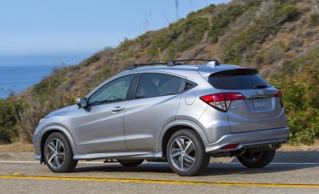 2019 Honda HR-V Touring Rear Three-Quarter Wallpaper 450x275 (74)