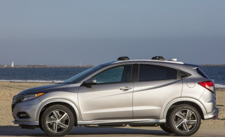 2019 Honda HR-V Touring Side Wallpaper 450x275 (79)