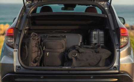 2019 Honda HR-V Trunk Wallpaper 450x275 (38)
