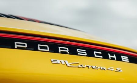 2019 Porsche 911 (992) Carrera 4S (UK-Spec) Badge Wallpaper 450x275 (25)