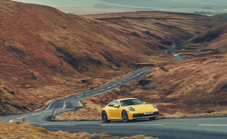 2019 Porsche 911 (992) Carrera 4S (UK-Spec) Front Three-Quarter Wallpaper 450x275 (12)