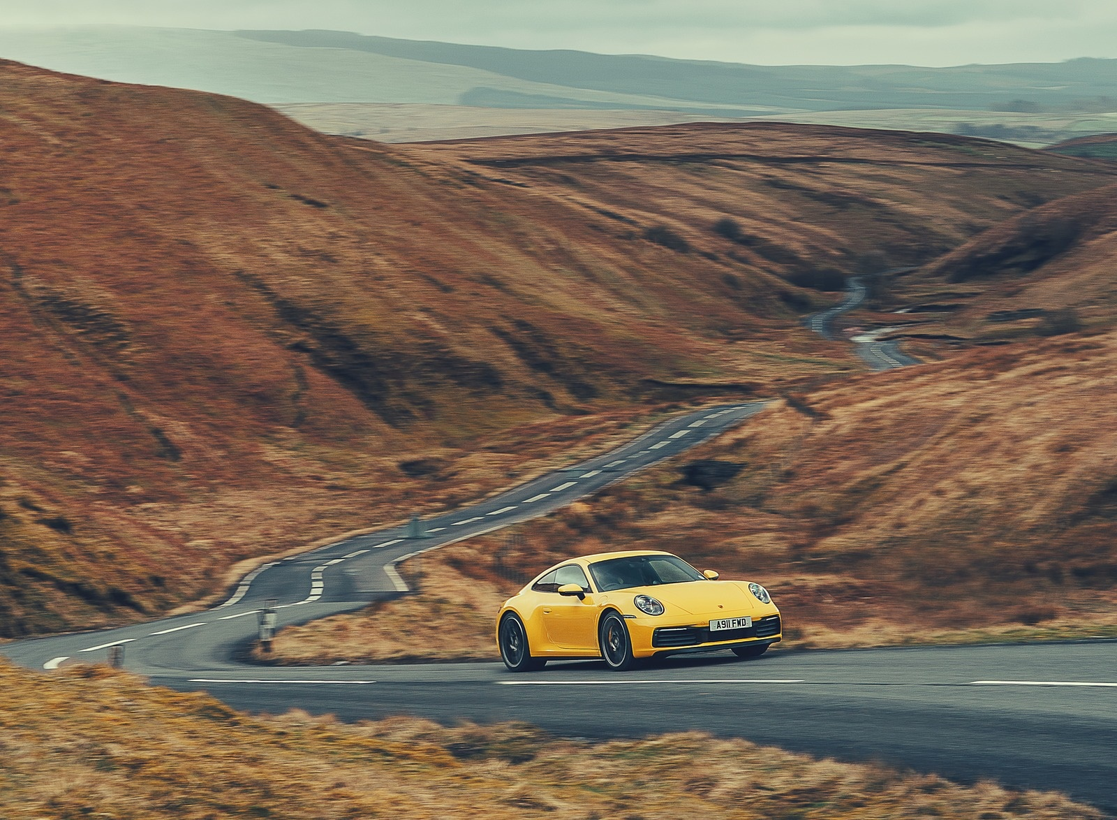 2019 Porsche 911 (992) Carrera 4S (UK-Spec) Front Three-Quarter Wallpaper (12)