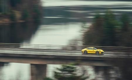 2019 Porsche 911 (992) Carrera 4S (UK-Spec) Front Three-Quarter Wallpaper 450x275 (13)