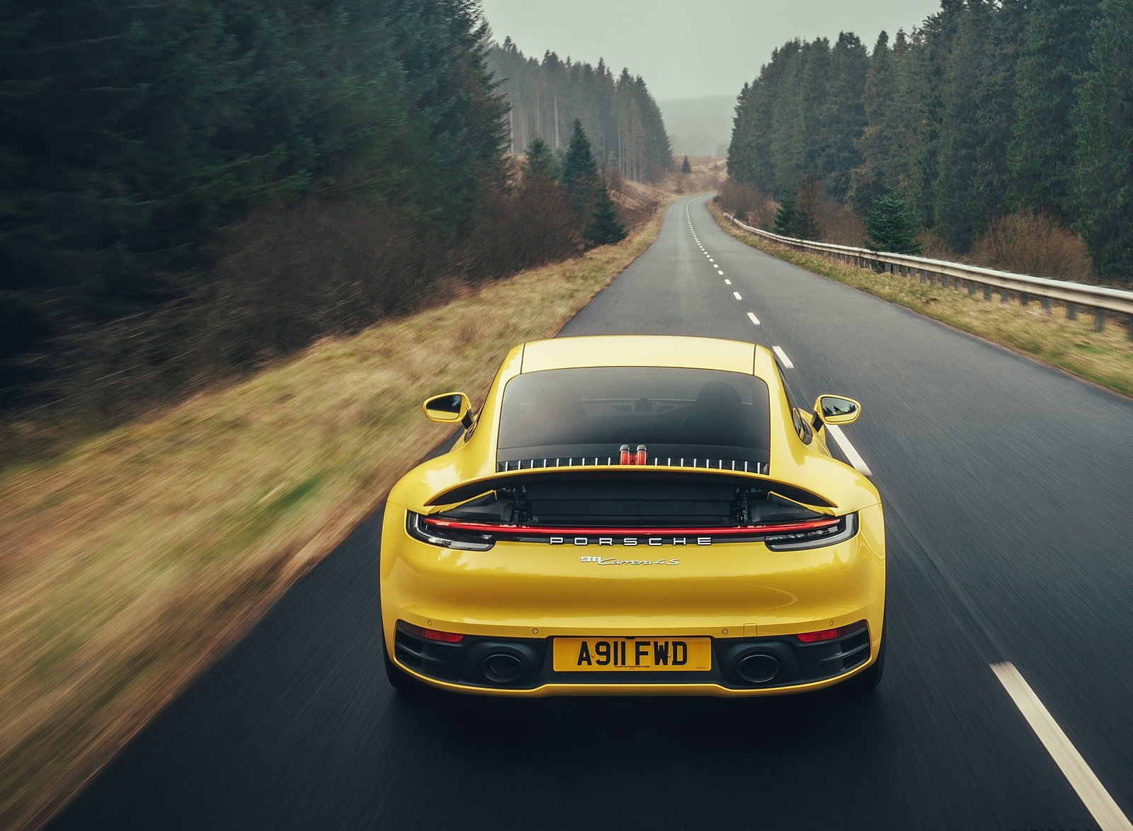 2019 Porsche 911 (992) Carrera 4S (UK-Spec) Rear Wallpaper (5)