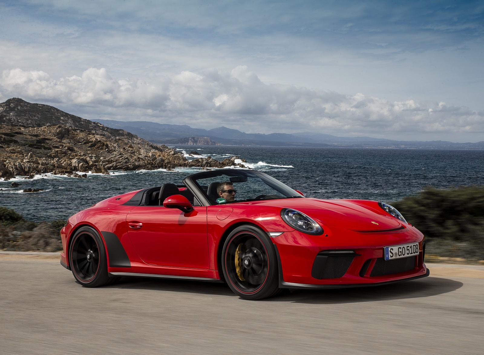 2019 Porsche 911 Speedster (Color: Guards Red) Front Three-Quarter Wallpapers (3)