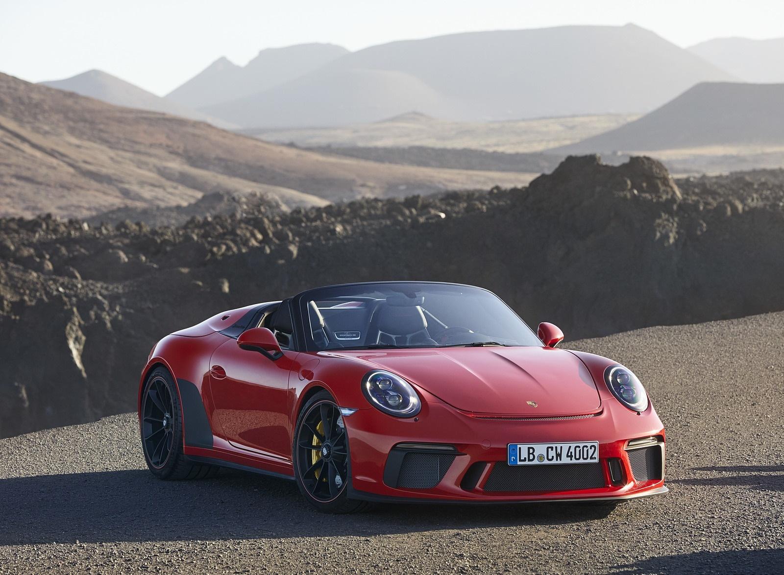 2019 Porsche 911 Speedster (Color: Guards Red) Front Wallpapers (14)