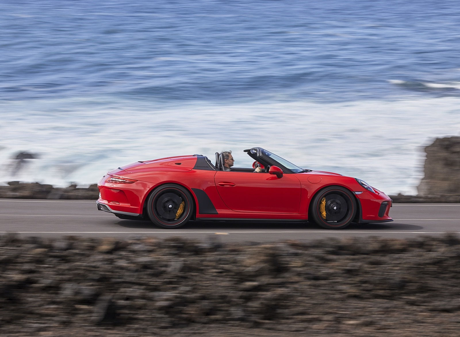 2019 Porsche 911 Speedster (Color: Guards Red) Side Wallpapers (6)