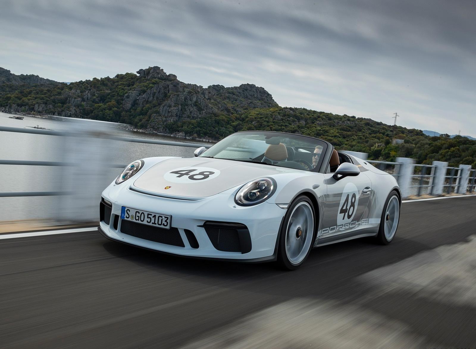 2019 Porsche 911 Speedster with Heritage Design Package Front Three-Quarter Wallpapers (14)