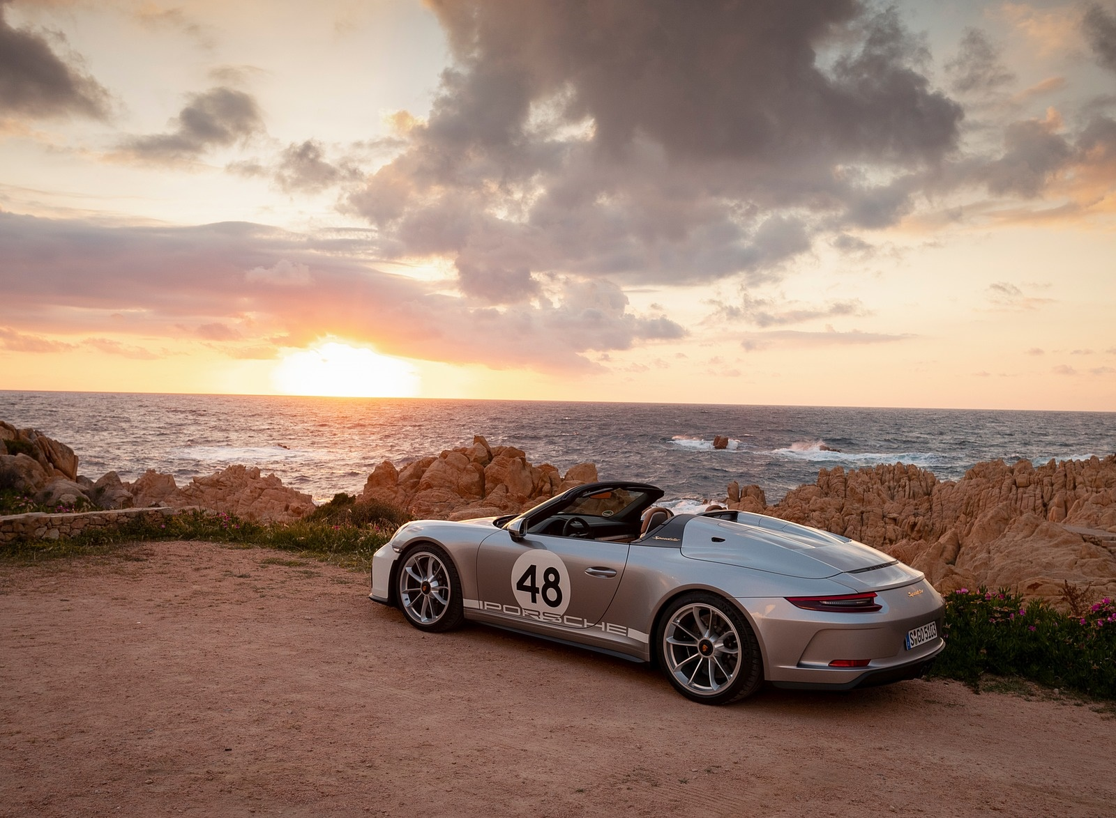 2019 Porsche 911 Speedster with Heritage Design Package Rear Three-Quarter Wallpapers #42 of 72