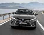 2019 Toyota Camry Hybrid (Euro-Spec) Front Three-Quarter Wallpapers 150x120 (13)