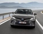2019 Toyota Camry Hybrid (Euro-Spec) Front Three-Quarter Wallpaper 150x120 (13)