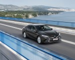 2019 Toyota Camry Hybrid (Euro-Spec) Front Three-Quarter Wallpapers 150x120 (5)