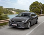 2019 Toyota Camry Hybrid (Euro-Spec) Front Three-Quarter Wallpapers 150x120 (26)