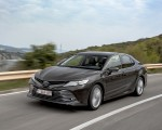 2019 Toyota Camry Hybrid (Euro-Spec) Front Three-Quarter Wallpapers 150x120 (6)