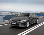 2019 Toyota Camry Hybrid (Euro-Spec) Front Three-Quarter Wallpapers 150x120 (15)