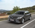 2019 Toyota Camry Hybrid (Euro-Spec) Front Three-Quarter Wallpapers 150x120 (7)