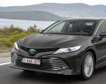 2019 Toyota Camry Hybrid (Euro-Spec) Front Wallpaper 150x120 (28)