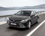 2019 Toyota Camry Hybrid (Euro-Spec) Front Wallpaper 150x120 (18)