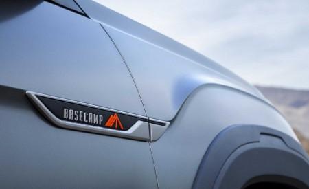 2019 Volkswagen Atlas Basecamp Concept Detail Wallpaper 450x275 (22)