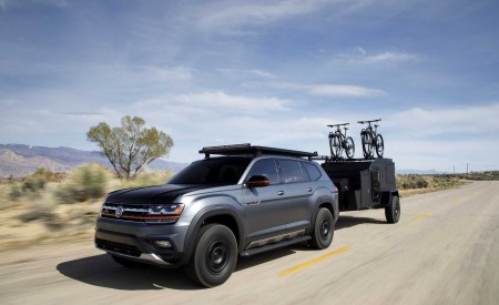 2019 Volkswagen Atlas Basecamp Concept Front Three-Quarter Wallpaper 450x275 (1)