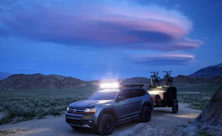 2019 Volkswagen Atlas Basecamp Concept Front Three-Quarter Wallpaper 450x275 (17)